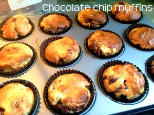 chocolate chip muffins header